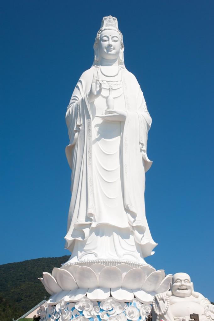 lady-buddha-marbre-blanc-danang