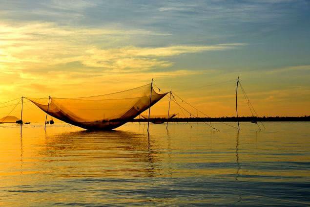 vietnam-hoian-fishermen-village