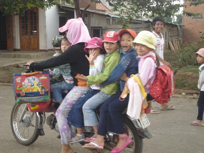 vietnam-scooter-5-personnes