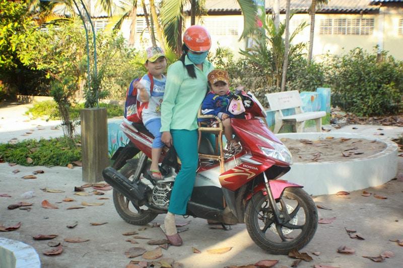 vietnam-siege-bebe-scooter