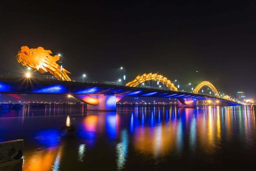 Vietnam-danang Dragon jaune