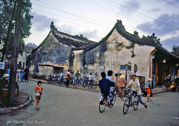 anh-kho-quen-ve-hue-da-nang-hoi-an-nhung-nam-1989-1990-hinh-4 (2)