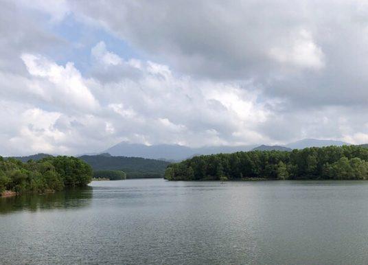 À voir à My Son, le Lac Thach Ban  – Hoi An