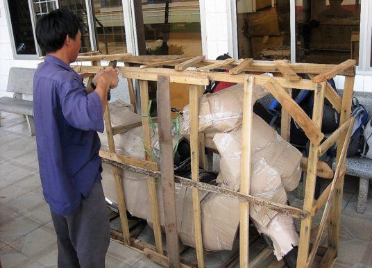 Comment envoyer une moto dans le train au Vietnam?