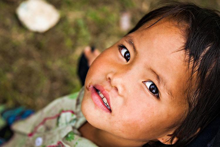 Young-Hmong-met-near-Mu-Cang-Chai