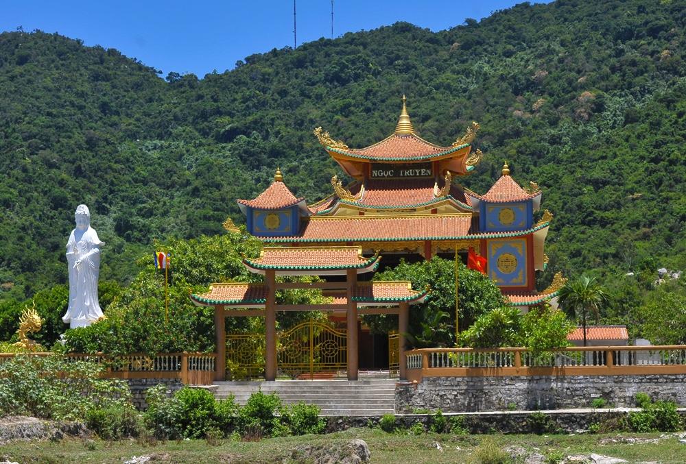 pagoda-cham-island