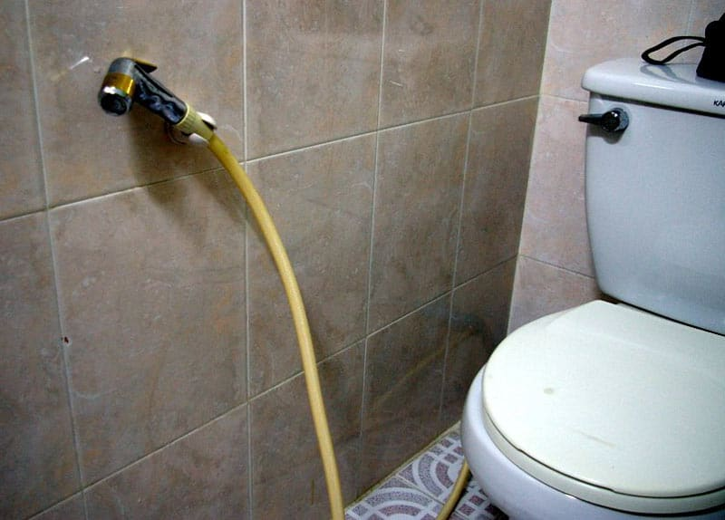 vietnam-toilette-jet-eau