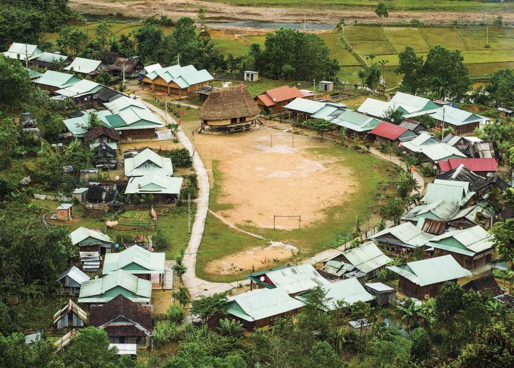 village-co-tu-1024x734